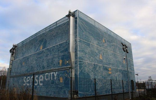 De l'extérieur, on ne voit de Sense City que la hall climatique, vaste hangar qui permet de simuler toute sorte d'événements climatiques.