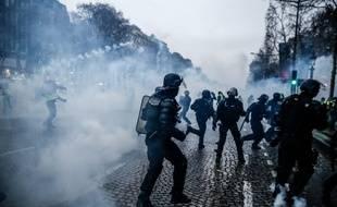 Des gendarmes lors des manifestations parisiennes le 5/01/2019.