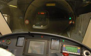 Illustration. Cabine de pilotage du Tram le 04 07 06