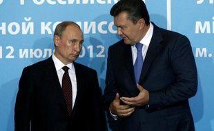Le président ukrainien Viktor Ianoukovitch a promulgué mercredi la loi élargissant les droits d'utilisation de la langue russe au niveau régional, dont l'adoption au parlement avait déjà provoqué de vives protestations de l'opposition et des empoignades entre députés.