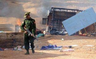 Une personne a été tuée et quatre blessées dans des violences entre bouddhistes et musulmans survenues pour la deuxième journée consécutive dans une ville du nord-est birman, a indiqué mercredi le gouvernement en renouvelant son appel au calme.