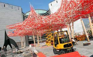 L'œuvre de l'artiste belge Arne Quinze fait plus de 70 m de long.
