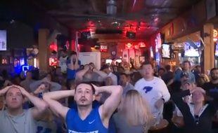 Énorme ascenseur émotionnel pour ces fans de basket ! - Le Rewind