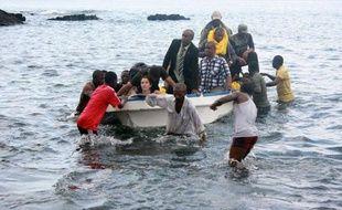 Un avion de la compagnie comorienne Inter Ile avec 29 personnes à bord a eu un accident lundi aux Comores, a annoncé la préfecture de Mayotte, l'île française voisine, mais sans faire de victime selon les autorités comoriennes.