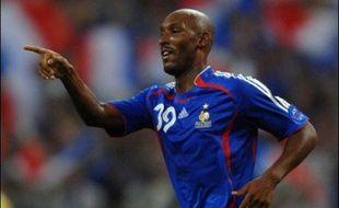 La France a rempli une partie importante de son contrat avant de partir en vacances, en s'imposant samedi (2-0) face à l'Ukraine, prenant ainsi seule la tête de son groupe qualificatif pour l'Euro-2008, aux dépens d'un adversaire direct.