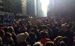 Une foule massive manifeste contre Donald Trump à New York, le 21 janvier 2017.