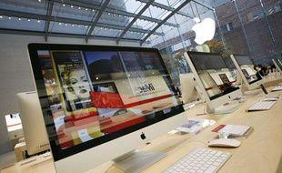 Un iMac 27 pouces dans un Apple Store.