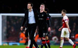 Julien Stéphan console Benjamin Bourigeaud, ici après l'élimination en Ligue Europa à Arsenal.