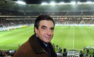 François Fillon, candidat aux législatives à Paris, assistera mardi aux voeux de l'UMP XVe arrondissement, dont le maire filloniste, Philippe Goujon, est également menacé par une candidature dissidente de l'ex-ministre Rachida Dati, a annoncé samedi l'entourage de M. Goujon.