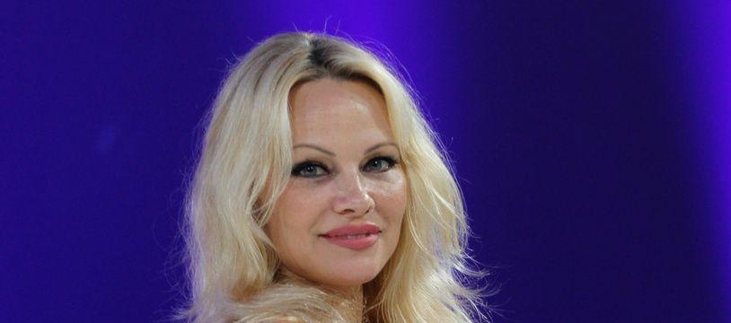 L'actrice et activiste Pamela Anderson à Paris