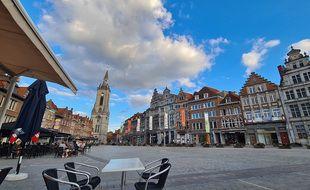 La grand place de Tournai, en Belgique.