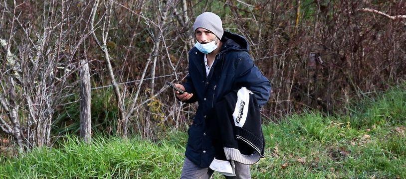 Cédric Jubillar, lors de la battue organisée pour retrouver sa femme Delphine, disparue dans la nuit du 15 au 16 décembre de leur domicile de Cagnac-les-Mines, dans le Tarn.