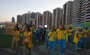 Les athlètes ukrainiens à leur arrivée au village olympique de Rio, le 31 juillet 2016.