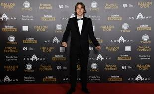 Luka Modric sur tapis rouge avant l'annonce du résultat final