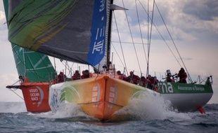 Le voilier chinois Sanya, engagé dans la 2e étape de la Volvo Ocean Race, a signalé lundi matin une avarie de gréement et fait route vers un port du sud de Madagascar pour évaluer les dégâts, a annoncé la direction de course, précisant qu'aucun équipier n'était blessé