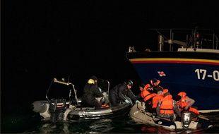 Dans la nuit du samedi 24 au dimanche 25 novembre 2018, les secours et la gendarmerie maritime français ont secouru 8 migrants en détresse au large de Calais.