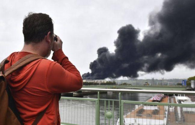 Incendie de l'usine Lubrizol à Rouen: Les autorités tentent de rassurer mais l'inquiétude demeure sur les risques