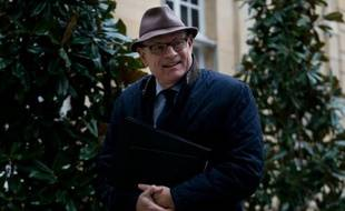 Le secrétaire d'Etat aux Relations avec le Parlement Jean-Marie Le Guen, à son arrivée à l'Hôtel Matignon à Paris le 18 février 2016