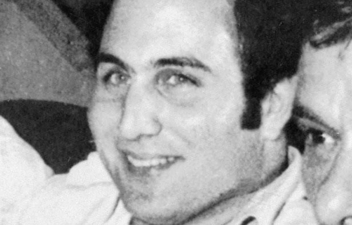 Le «Fils de Sam», David Berkowitz, au lendemain de son arrestation, le 11 août 1977, à New York. – AFP