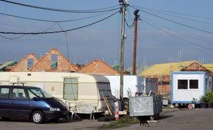 L'opération est inédite par sa complexité, sa durée et son coût: un bidonville tsigane, enclave insalubre nichée depuis plus de 40 ans dans un quartier sud de Strasbourg, le Polygone, va être progressivement détruit pour laisser place à 150 pavillons.