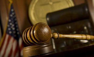 Une cour de justice américaine.