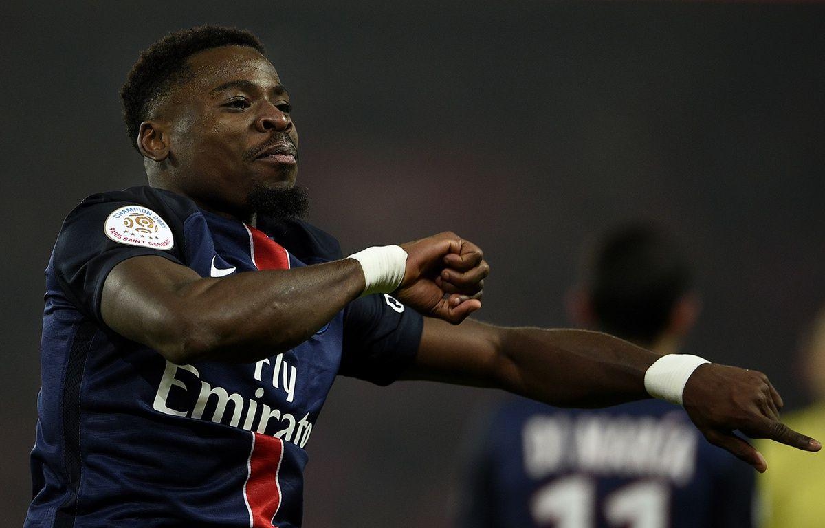 Serge Aurier, le défenseur du PSG, en décembre 2015, contre Lyon, au Parc des Princes. – FRANCK FIFE / AFP