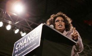 Oprah Winfrey, le 8 décembre 2007 en Iowa, lors d'une soirée de soutien au candidat démocrate à la Maison Blanche, Barack Obama.