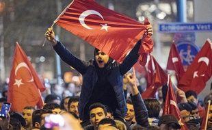 Les convocations se poursuivent dans le cadre d'une enquête sur la mouvance du prédicateur Fethullah Gülen, désigné par Ankara comme le cerveau du putsch manqué l'an dernier, a ajouté Anadolu. (image d'illustration)