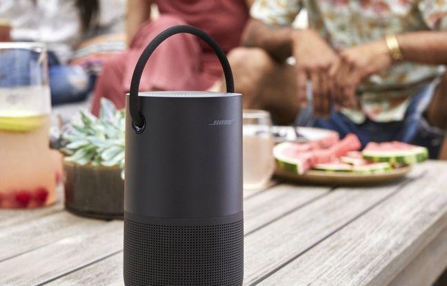 A l'extérieur, la Portable Speaker fonctionne en Bluetooth et résiste aux projections d'eau.