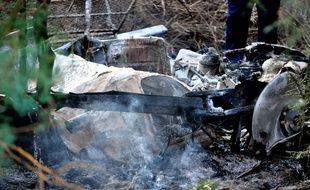 Les débris d'un des deux hélicoptères qui se sont heurtés près de Villa Castelli en Argentine, provoquant la mort de dix personnes.