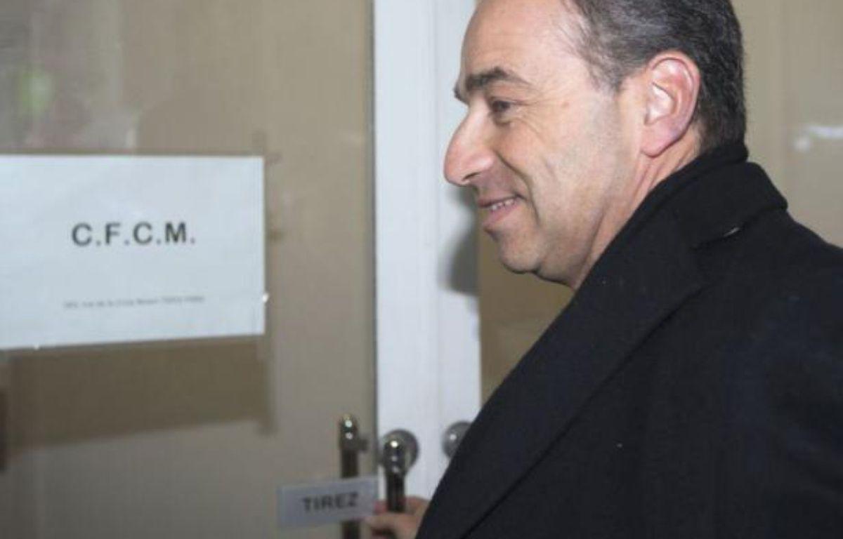 """Le Conseil français du culte musulman (CFCM) maintient finalement sa plainte contre Jean-François Copé dans l'affaire du """"pain au chocolat"""", en raison de son """"double langage"""", a annoncé mercredi Abdallah Zekri, président de l'Observatoire national contre l'islamophobie, instance du CFCM. – Joel Saget afp.com"""