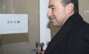"""Le Conseil français du culte musulman (CFCM) maintient finalement sa plainte contre Jean-François Copé dans l'affaire du """"pain au chocolat"""", en raison de son """"double langage"""", a annoncé mercredi Abdallah Zekri, président de l'Observatoire national contre l'islamophobie, instance du CFCM."""
