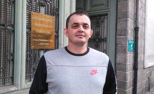 A Douai, le 15 septembre 2016 - Ludovic Milice, devant la cour d'appel de Douai. Il avait ete licencie apres avoir ete aux toilettes pendant le discours de son patron.