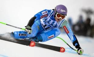 La Slovène Tina Maze, leader de la Coupe du monde de ski alpin féminin, a dominé la première manche du géant de St-Moritz dimanche, relégant à plus d'une demi-seconde deux autres favorites, la Française Tessa Worley et l'Allemande Viktoria Rebensburg.