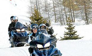 En motoneiges ou sur la glace, les activités sans skier ne manquent pas.