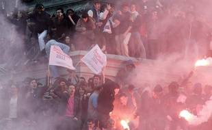 Place de la Bastille, la gauche fête la victoire de François Hollande.