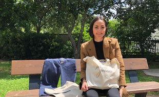 Emmanuelle Morère, créatrice de Pierrette & Yvonne, lance une collection de vêtements pour femme en tissu recyclé et made in France.
