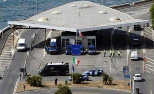 Le poste frontière de Vintimille entre la France et l'Italie.