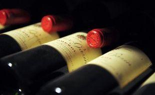 """L'Autorité des marchés financiers (AMF) a mis en garde mercredi les épargnants contre certains placements """"atypiques"""" dans les oeuvres d'art, le vin ou les diamants, qui ne sont pas soumis à la réglementation des instruments financiers."""