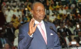 Le président guinéen Alpha Condé lors de sa prestation de serment le 14 décembre 2015 à Conakry