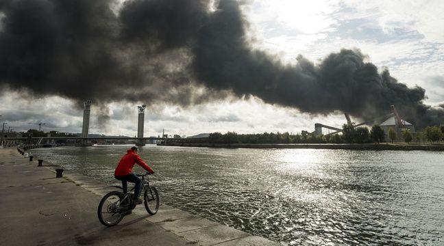 Incendie de l'usine Lubrizol  Des premiers résultats « très rassurants » sur les niveaux de dioxines et d'amiante