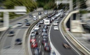 """Les 100 millions d'euros """"doivent être engagés immédiatement, à bons de commande dans les trois mois, a indiqué le ministre des Transports"""
