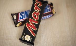 Des barres chocolatées Mars et Snickers. Illustration