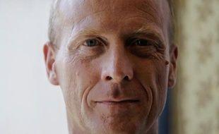 Le patron d'Airbus Thomas Enders, pressenti pour succéder à Louis Gallois à la tête du géant de l'aéronautique EADS, a récemment présenté son futur état-major à l'Elysée, ont indiqué vendredi à l'AFP plusieurs sources industrielles.