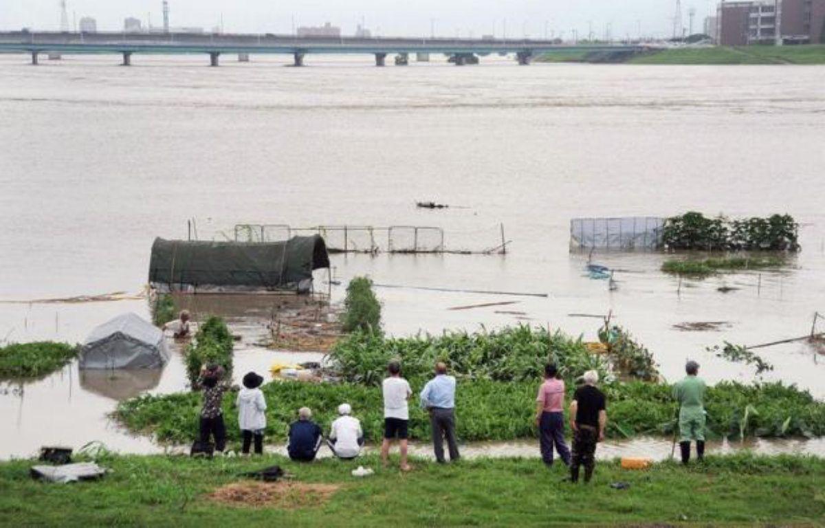 Quelque 400.000 personnes ont été appelées à évacuer samedi dans le sud-ouest du Japon où 29 personnes sont mortes ou portées disparues, victimes des pluies torrentielles qui se sont abattues sur la région depuis trois jours, selon un dernier bilan officiel. –  afp.com