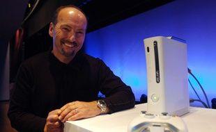 Peter Moore, alors vice-président de Microsoft, présentait la Xbox 360 à New York, le 14 octobre 2005.