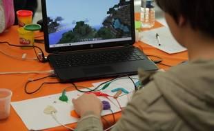 Un atelier d'initiation au code organisé par Bibliothèques sans frontières
