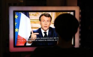 Emmanuel Macron lors de son allocution télévisée, ce lundi soir