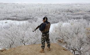 Un membre des forces de sécurité afghanes lors d'une opération dans la province de Ghazni, dans l'Est du pays, en janvier (image d'illustration).