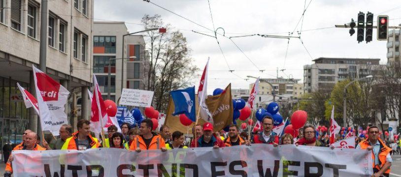 Environ 150.000 travailleurs du secteur public avaientpris part la semaine dernière à des «grèves d'avertissement».